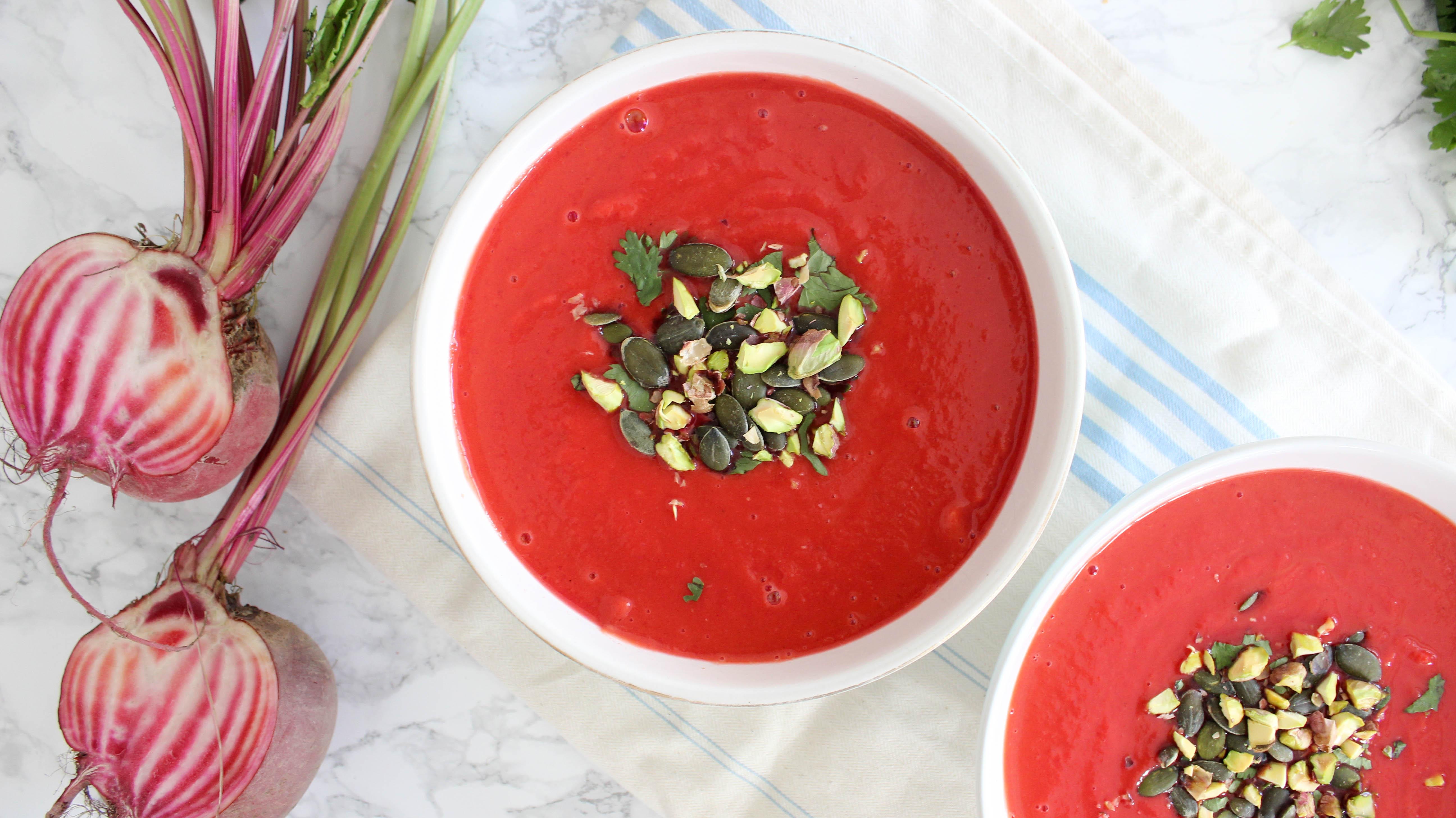 Süßkartoffel-Rote Beete-Suppe mit Blutorangen