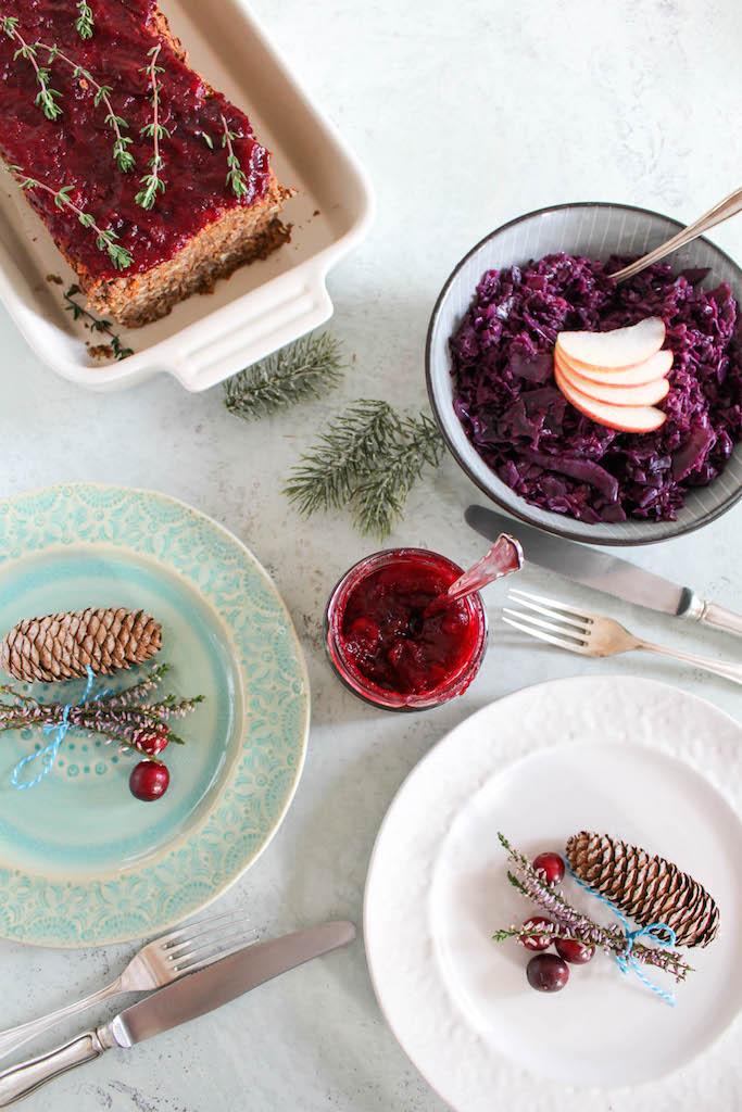 """Linsen - """"Hackbraten"""" mit Cranberry Sauce - vegan, glutenfrei, ohne raffinierten Zucker"""