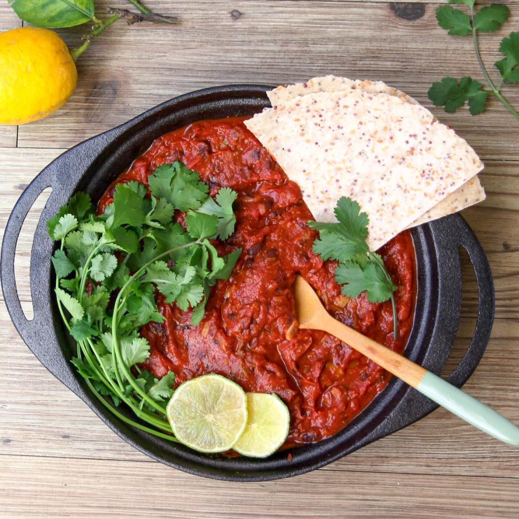 Schnelles Schwarze Bohnen-Chili - vegetarisch, vegan, rein pflanzlich, ohne raffinierten Zucker, gesund - de.heavenlynnhealthy.com