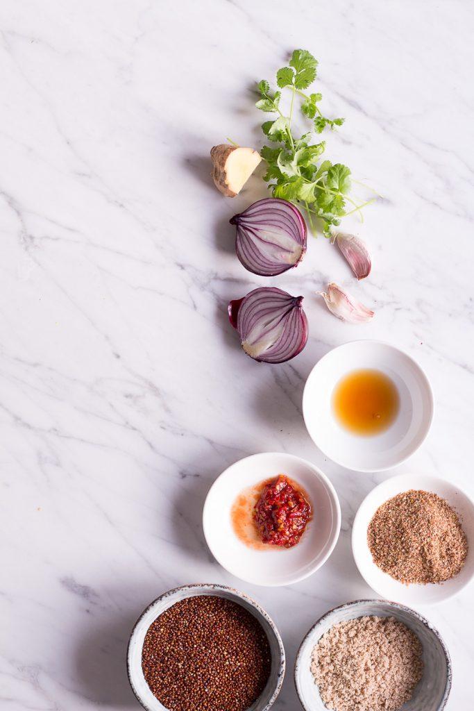 Vietnamesische Banh Mi Bowl mit pflanzlichen Quinoa-Bällchen - rein pflanzlich, vegan, glutenfrei, ohne raffinierten Zucker - de.heavenlynnhealthy.com