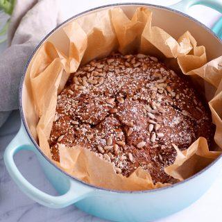 Roggen-Vollkornbrot ohne Kneten - rein pflanzlich, vegan, ohne raffinierten Zucker - de.heavenlynnhealthy.com