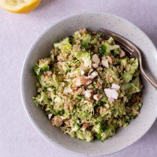 Roher Brokkoli Quinoa Power Salat- rein pflanzlich, vegan, glutenfrei, ohne raffinierten Zucker - de.heavenlynnhealthy.com