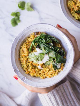Ayurvedisches Kitchari mit Gemüse – ein reinigendes und entgiftendes Gericht perfekt für den Januar