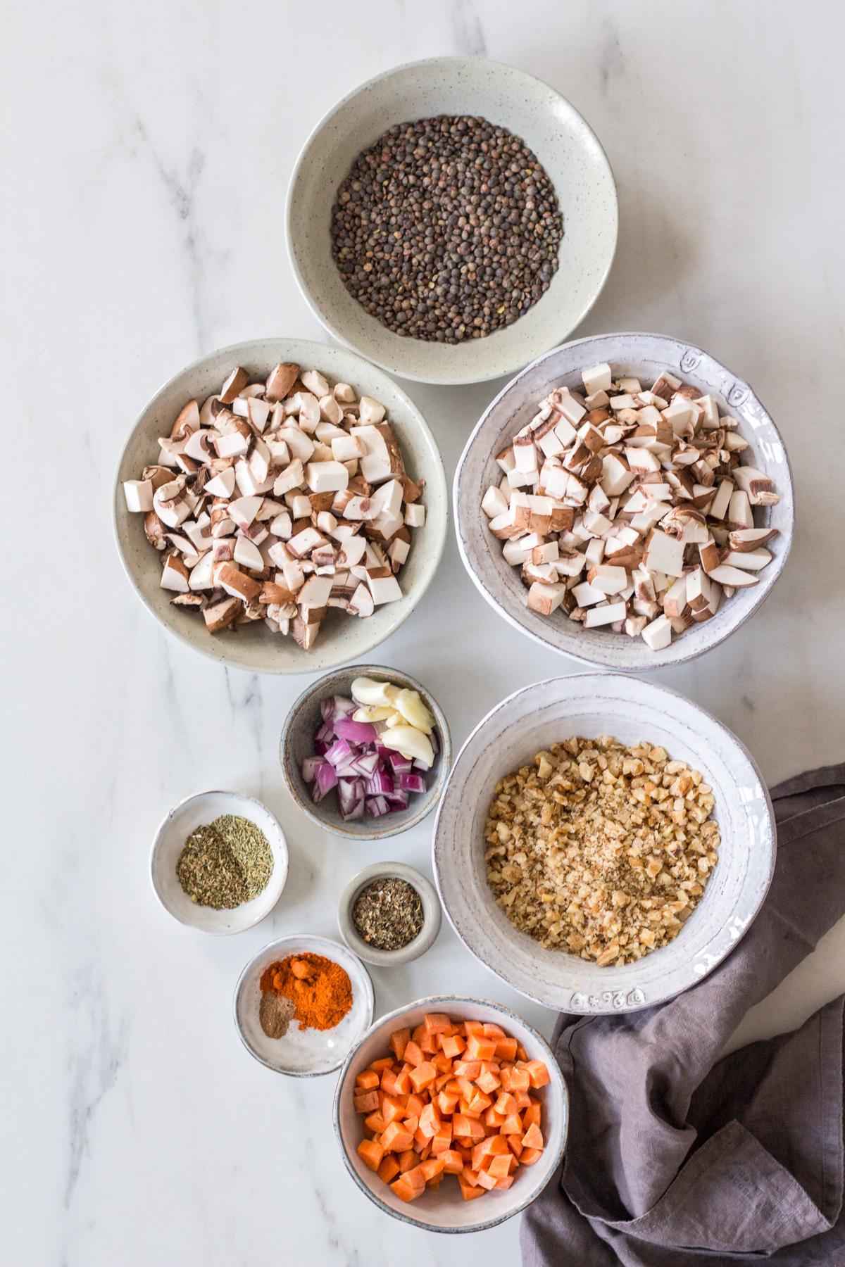 Fleischlose Bolognese – rein pflanzlich, vegan, glutenfrei, ohne raffinierten Zucker - de.heavenlynnhealthy.com