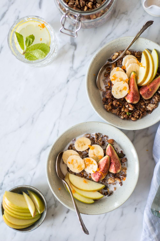 Getreidefreies und zuckerfreies Granola – ein reinigendes und entgiftendes Gericht perfekt für den Januar - rein pflanzlich, vegan, glutenfrei, ohne raffinierten Zucker - de.heavenlynnhealthy.com