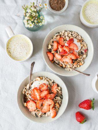 Zitroniges Birchermüsli mit Erdbeeren und weshalb wir mehr über Darmgesundheit sprechen sollten