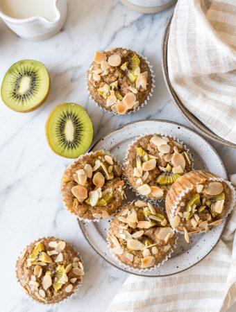 Vollkorn-Frühstücksmuffins mit Kiwis